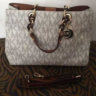 MK Handbag With Sling