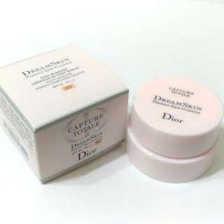🚚 Dior夢幻美肌氣墊粉餅
