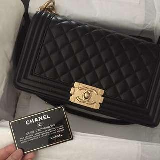 全新 Boy Chanel 黑金 25cm 羊皮