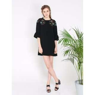 BNWT - MIA FLORAL EMBROIDERY DRESS BLACK