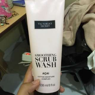 Victoria's Secret Smoothing Scrub Wash