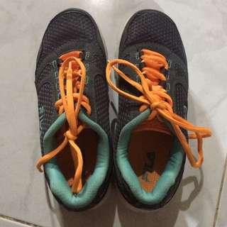 Auth FILA shoes