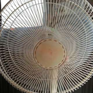WTS : 16 Inch Kdk Fan