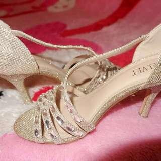 High heels velvet nomer 36 insole 23cm heels 7cm baru dipake sekali saat wisuda