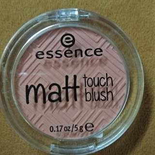 Essence Matte Blush