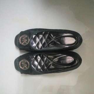 PRELOVED Sepatu Wanita Hitam