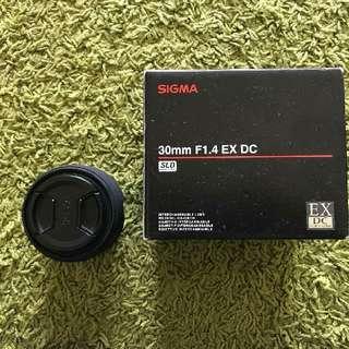 Sigma 30mm f1.4 (Sony-A mount)