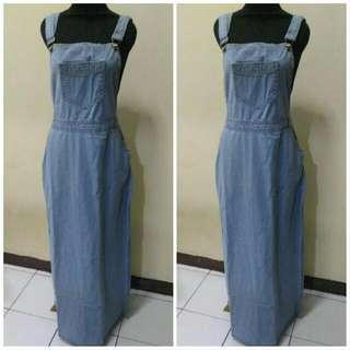 Overall Jeans . Dress Jeans