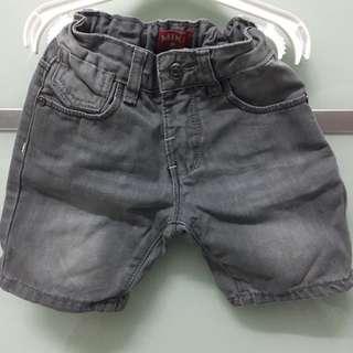 MIKI Jeans