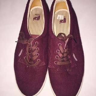 Pointer Maroon Shoes