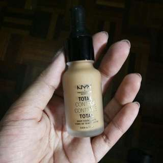 NYX Total Control Drop Foundation In The Shade 13, Golden