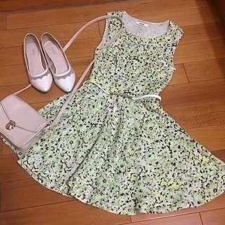 日本品牌 Snidel 草綠青春露腰蝴蝶結洋裝