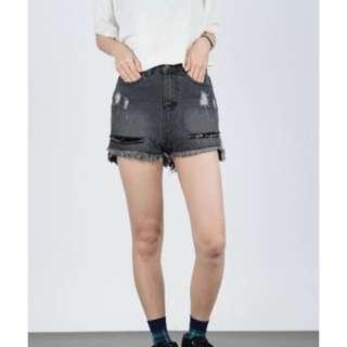 全新CEREAL牛仔短褲黑色