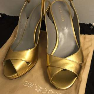 NEW Sergio Rossi Gold Shoes 37 1/2