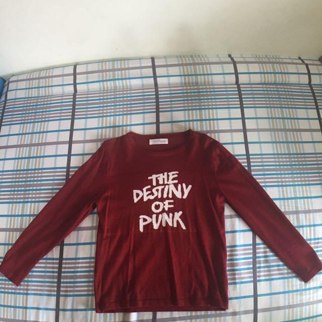 紅色長袖字母上衣