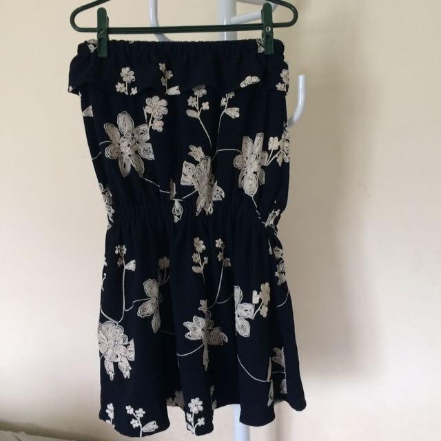 平口深藍刺繡繡洋裝