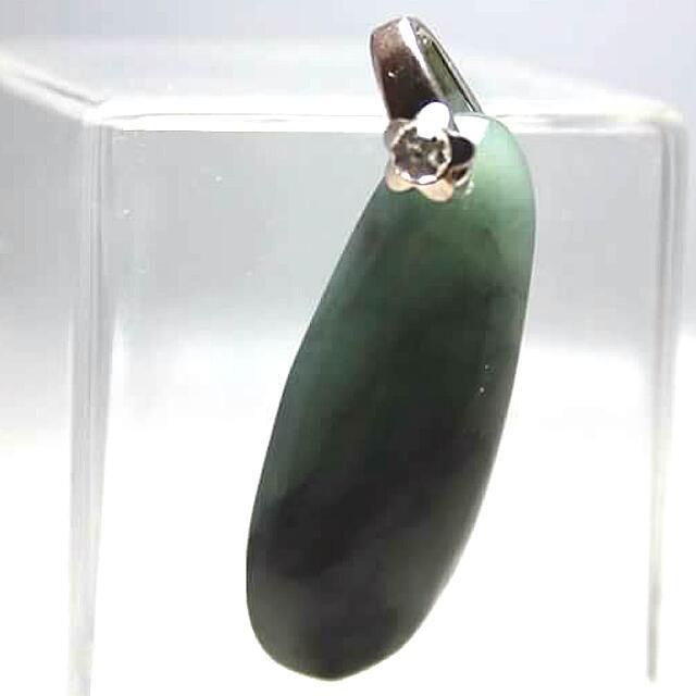 深綠玉石墬