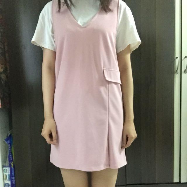 粉色吊帶裙