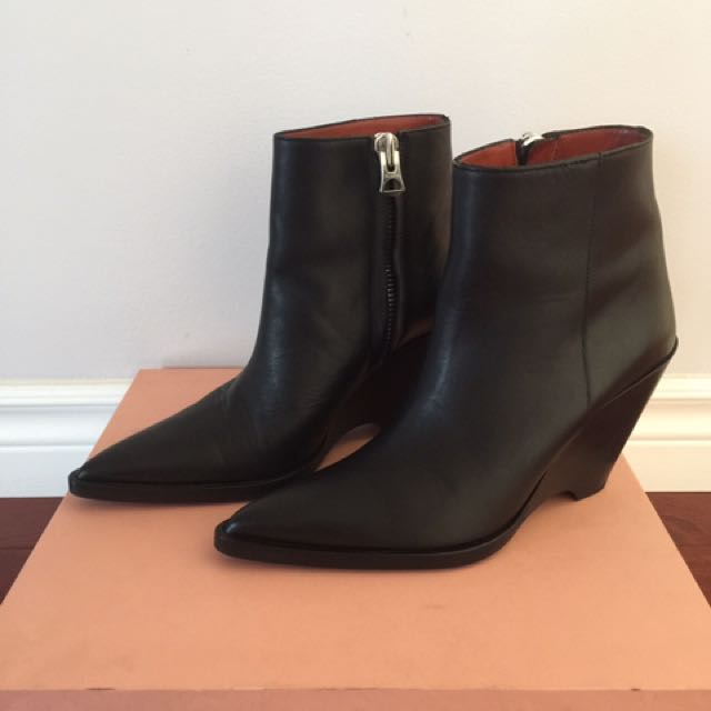 ACNE STUDIOS CAROLINE LEATHER ANKLE BOOTS