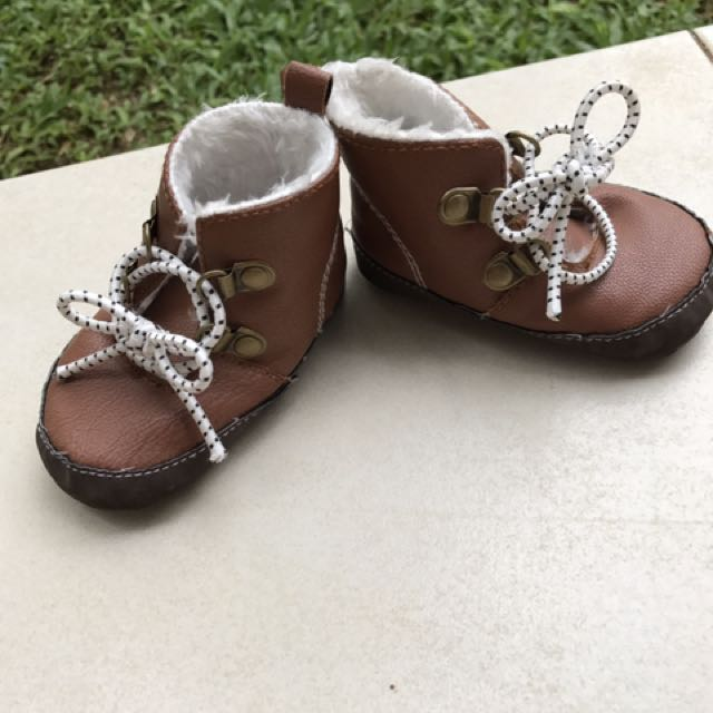 Brown baby Boots