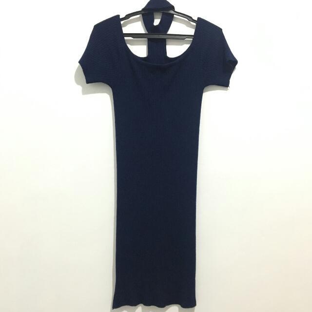 Choker & Off shoulder Dress