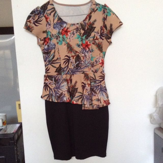 Dress Peplum Bunga