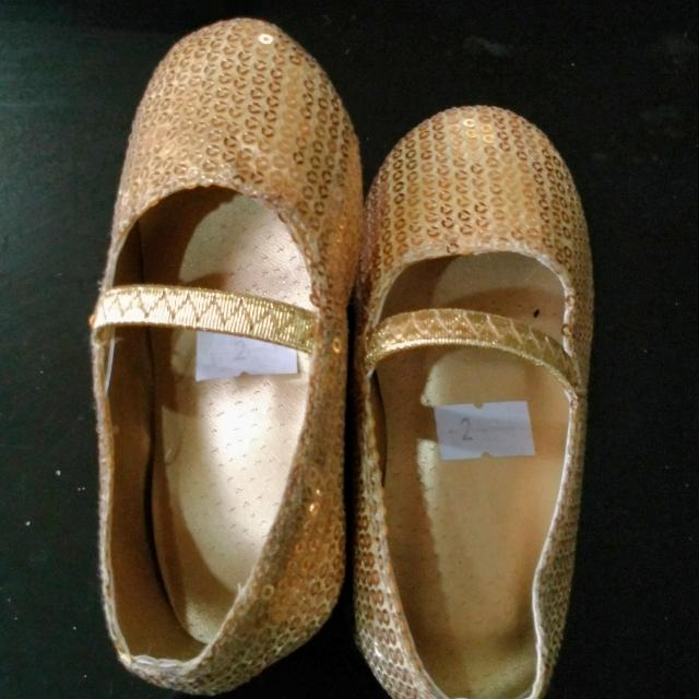 Gold Flats Size 2