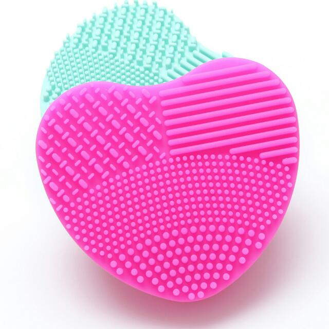 Heart Shaped Brush Cleansing Pad (Rose)