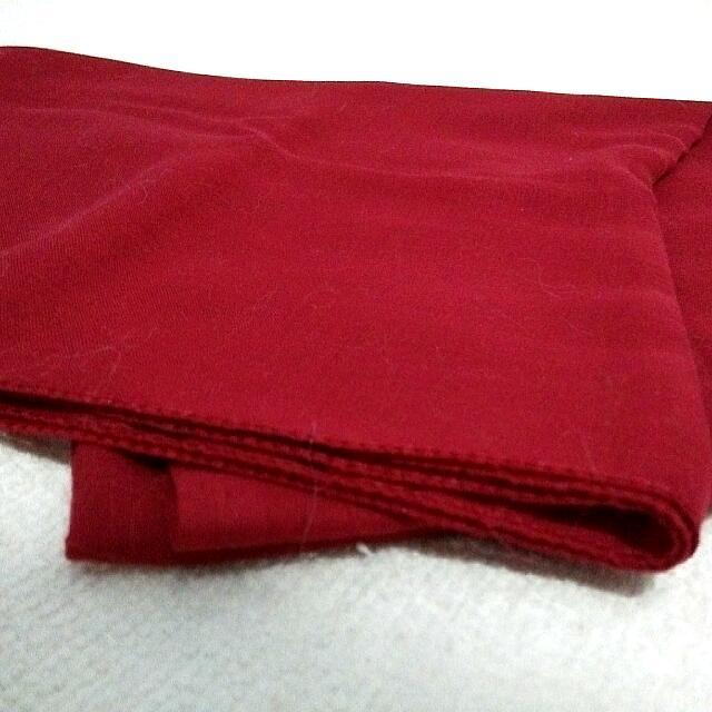 Jilbab Segi Empat Merah