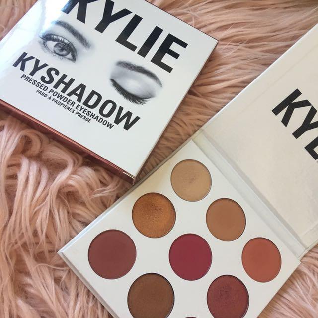 Kylie Cosmetics Burgundy Kyshadow Palette