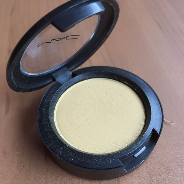 Mac Eye Shadow Duraclear Yellow