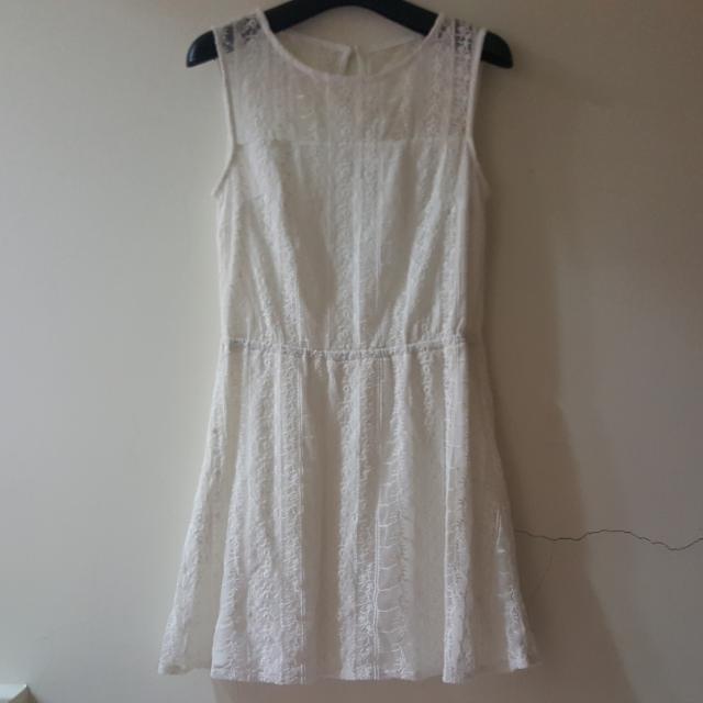 NET 蕾絲透膚氣質無袖洋裝 白色