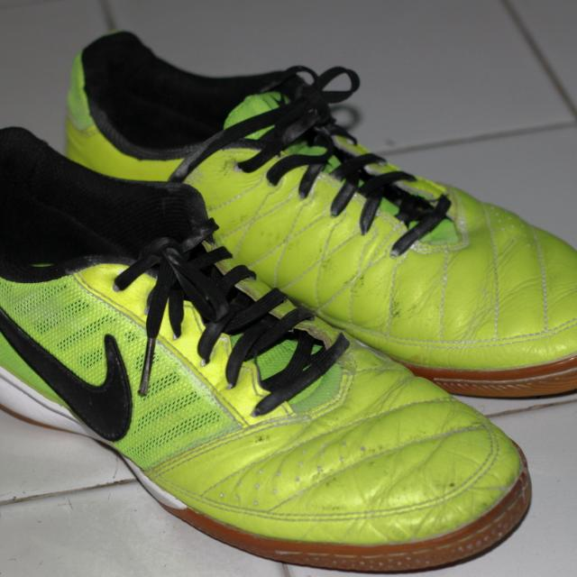 Nike Gato II Size 40 (25cm)