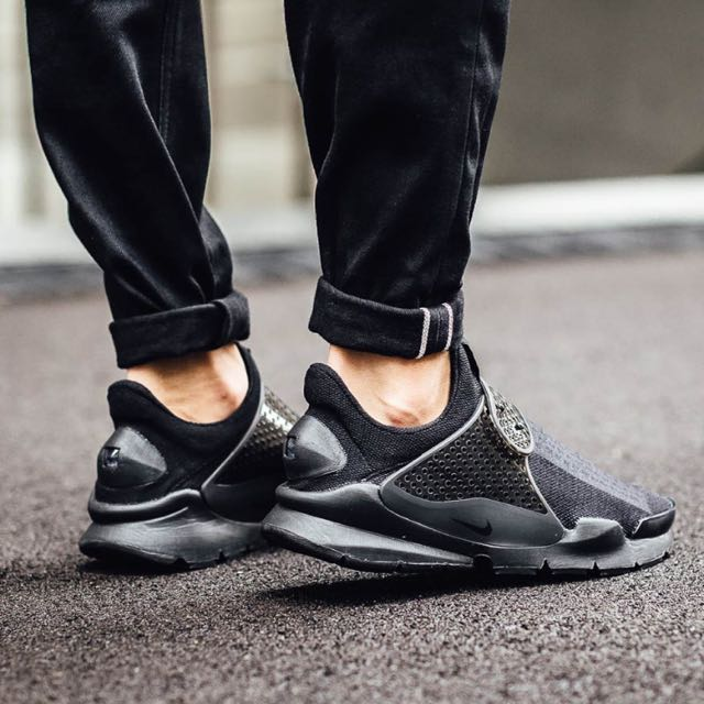 newest collection d5ea0 84265 Nike Sock Dart Triple Black, Men's Fashion, Footwear on Carousell