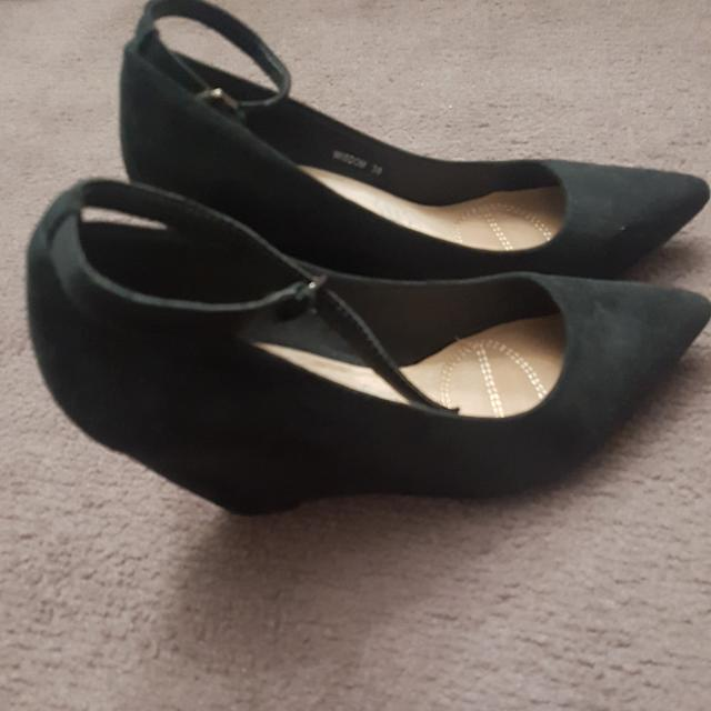 Novo Pointy Wedges - Size 38