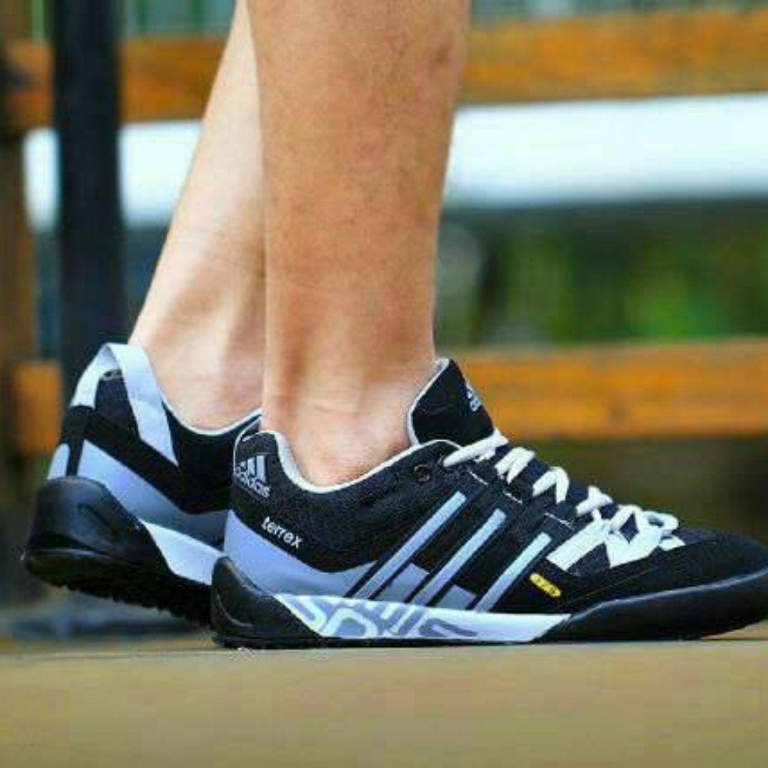 Obral Sepatu Adidas Pria Olahraga Tracking Murah Grade Ori Vietnam Preloved Fesyen Di Carousell