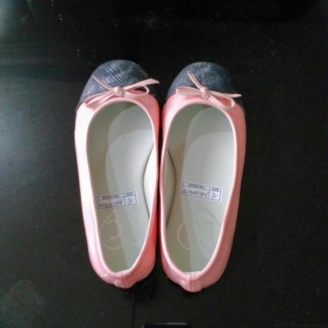 Peach Flats Size 12