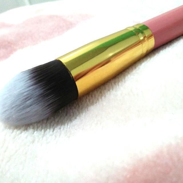 Pink And Gold #12 Make-up Brush
