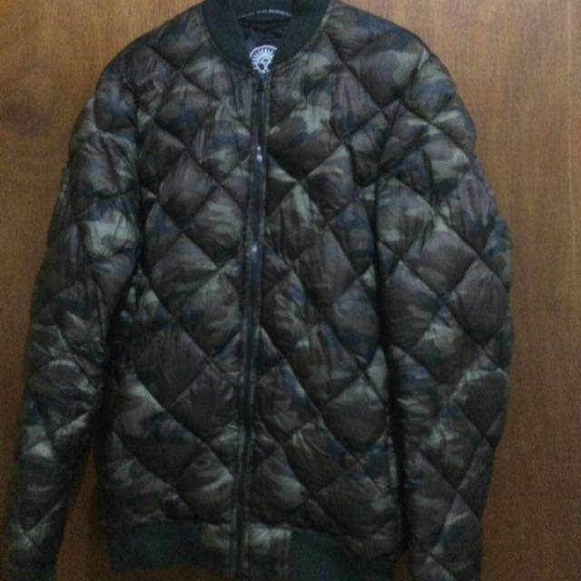 Pull&Bear Bomber Camouflage
