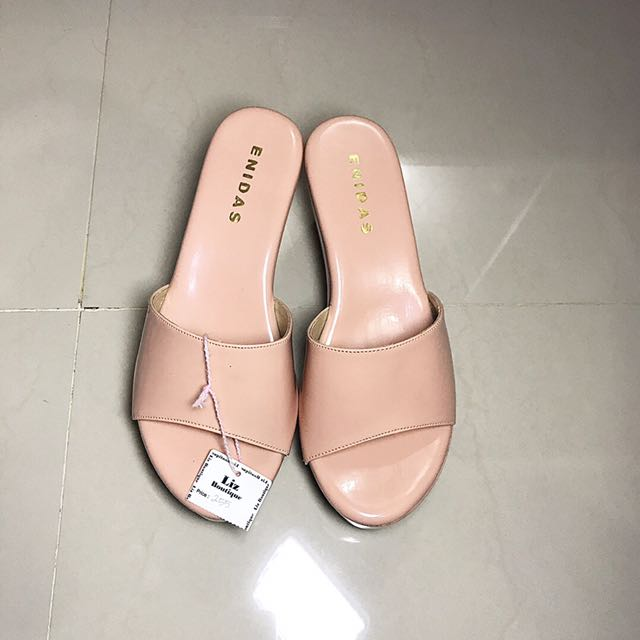 Sendal Heels Cream Colour