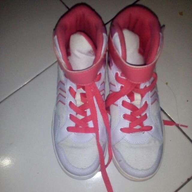 Sepatu Cewe No35