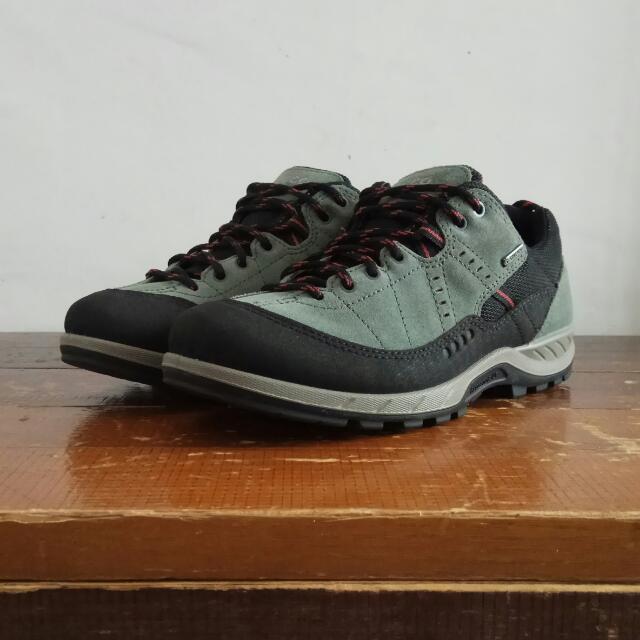 Sepatu Ecco Receptor Technology