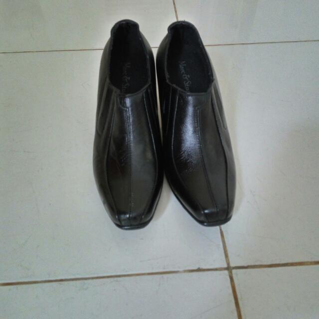 Sepatu kulit Marc & Stuart