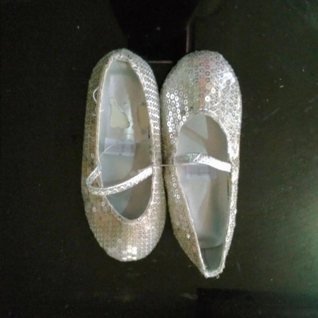 Silver Flats Size 4