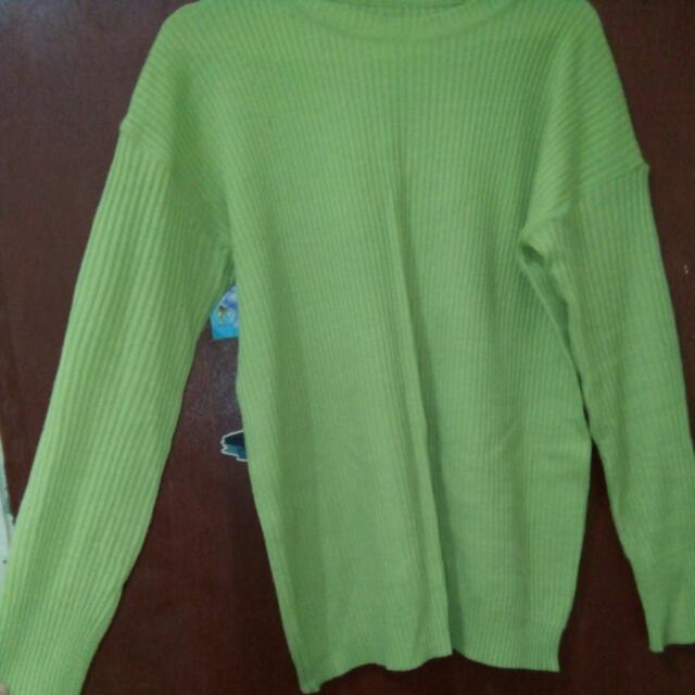 Sweater Rajut Hijau