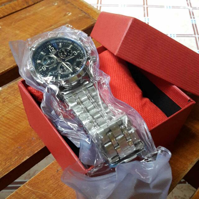 YAZOLE 271 Business Men's Stainless Steel Strap Quartz Wrist Watch
