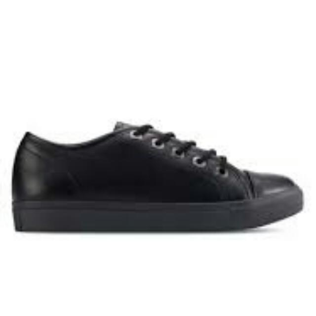 Zalora Lace Up Plimsolls