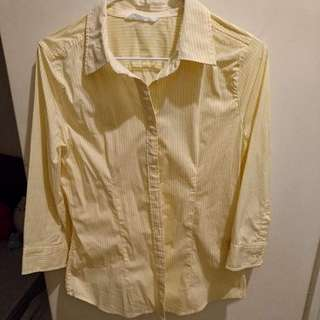 Net 鵝黃細直條紋八分袖襯衫