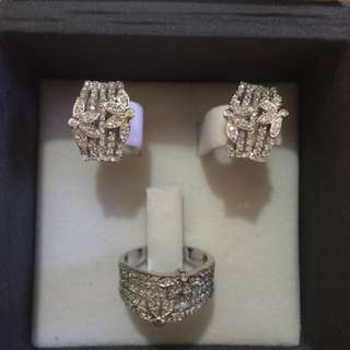 Real Diamonds In 14k White Gold Setting