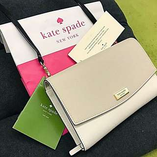 [100%全新專門店真品]Kate Spade Laurel Way Winni 經典牛皮長款銀包斜背包(兩用款-米白色) ・[100% Brand New Authentic] Kate Spade Laurel Way Winni Crossbody Clutch Wallet (Two way-Cream Beige)